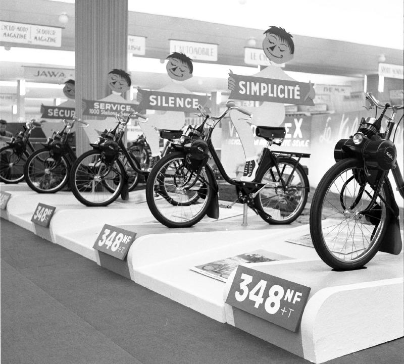 Salon de Paris 1960 : un bel alignement, mais toujours un seul modèle à un prix sans concurrence.