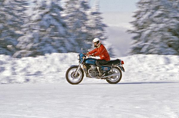 Collection Moto Habits d'hiver : souvenirs de campagne