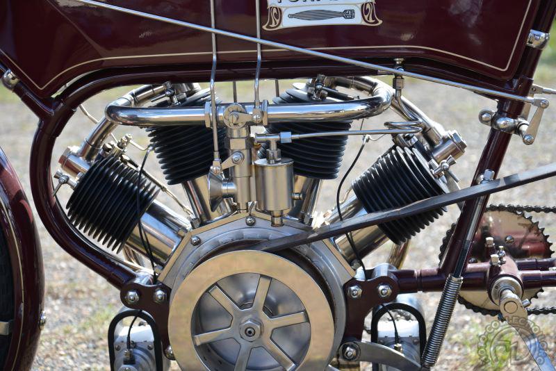 Il y a deux ans, Pavel Malanik nous avait étonné avec cette reconstruction de Torpedo 1640cm3 V4 de 1909.