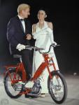 1969 : Le Cady PRT nouvellement doté d'une suspension avant télescopique inversée comme sur les «grandes» Mobylette se surprend à penser remplacer la Rolls pour les soirées mondaines…