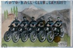 Suivant la mode de l'époque, chaque club éditait des cartes postales colorisées. L'équipe de Camaret, ici en 1950, est toujours en haut du classement au championnat de motoball 2016.