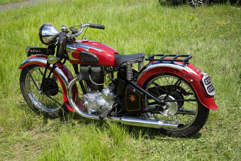 Une des très belles représentantes française, la 500 Motobécane S5C Grand Sport Superculasse apparue en 1937.