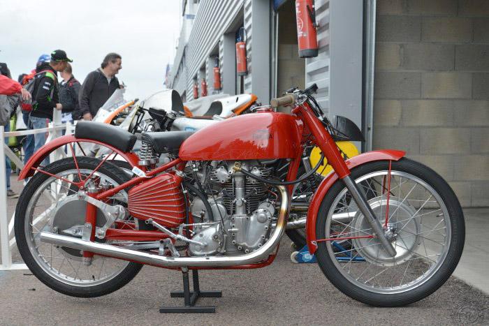2D-Parilla 250 1948-G Eiler-334
