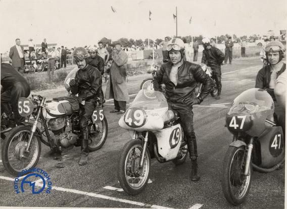 Un départ en catégorie 175 en 1963, J-P. Beltoise sur Morini est à droite, Jacques Roca (Puh) au centre et Fenoglio (Morini) à gauche