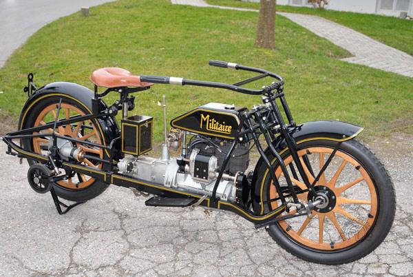 Militaire1914-1922: une voiture à deux roues