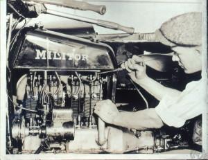 Comment replacer une tige de culbuteur sur une Militor de 1922.