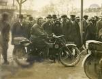 Dyon sur l'une des deux 350 au départ pour les 3700 km du Tour de France en 1922. Lambert sur Viratelle 700 bicylindre finira 6e après avoir mené la course puis cassé sa fourche à 100 km de l'arrivée.