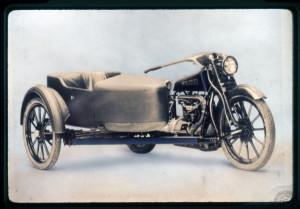 La dernière version de la Militor n'a plus de roulettes stabilisatrices… mais elle n'est vendue qu'avec side-car!
