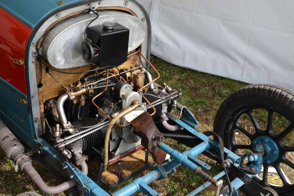 Le 1280 cc de l'automobile ABC. La même version utilisée dans l'Hélica conserve la totalité de son hélice.