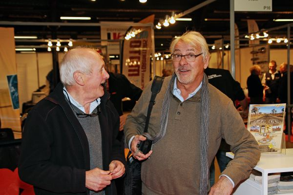Alain Chevallier et moi au salon Moto Légende en 2014 (photo Christian Bouchet)