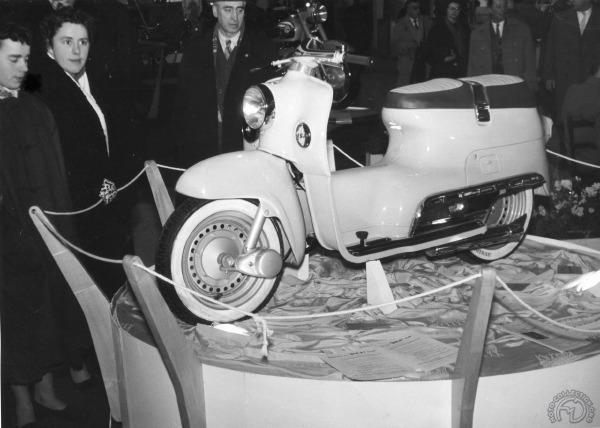 """BSA200 Beeza 1955: le """"flat one"""" Briton"""