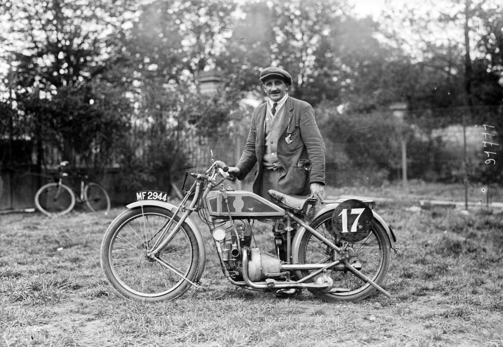 La Beatty & Claxton 350 cm3 deux temps engagée au Tour de France 1924 (photo BNF Gallica)
