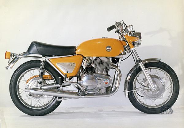 Collection Moto  Années 60 : l'Italie lance ses twins (2)