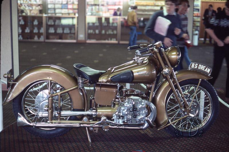 Brough Superior 1000 Golden Dream-03