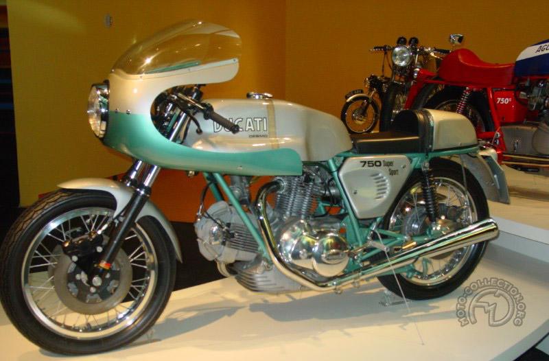 De 1970 au début des années 80, Tartarini habilla les plus célèbres réalisations de son ami Fabio Taglioni, l'ingénieur vedette de Ducati.