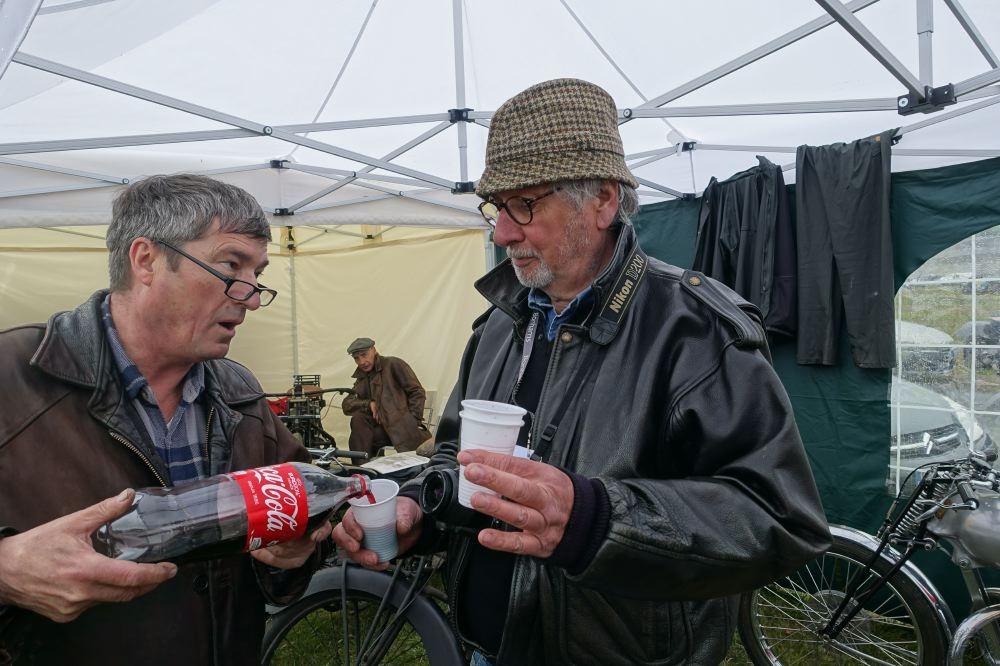 Pour défendre l'honneur des journaux motos spécialisés, seul François-Arsène s'était déplacé et il en fut bien récompensé !