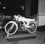 Favor s'allie à Benelli fin1959 et utilise avec succès son beau bloc50 à trois vitesses ici en vedette au Salon de Paris1963.