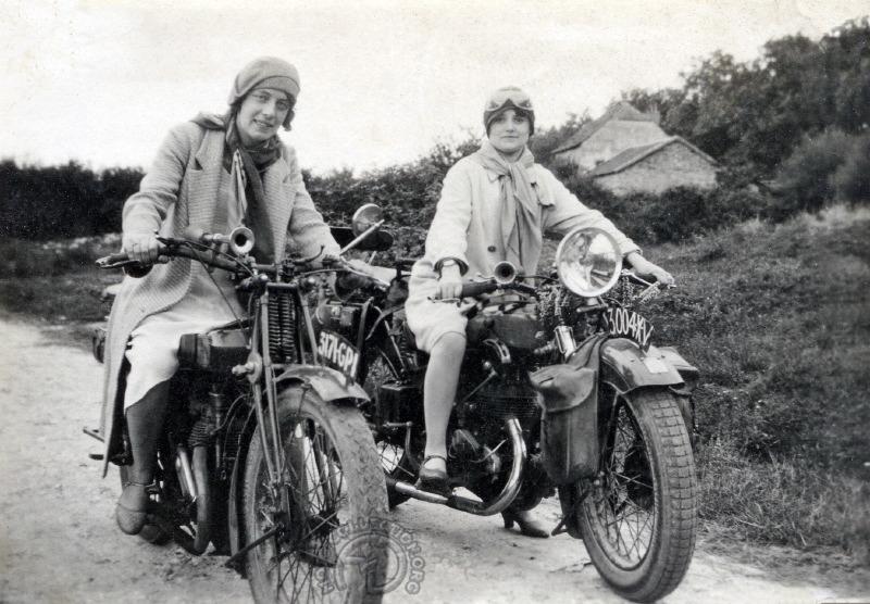 Femmes Mag et Automoto 350 A9 - 1929