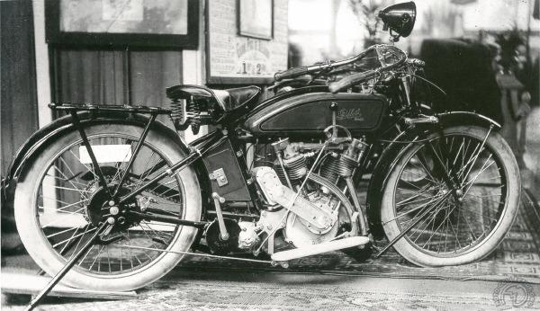 La Gillet Herstal 1000 au salon Moto Légende
