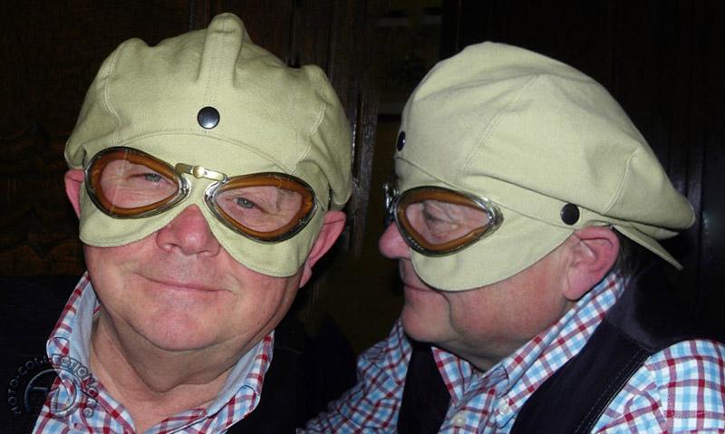 Pas protectrice, mais si élégante, la casquette à lunette intégrée des années vingt présentée pour vous par un ami très cher.