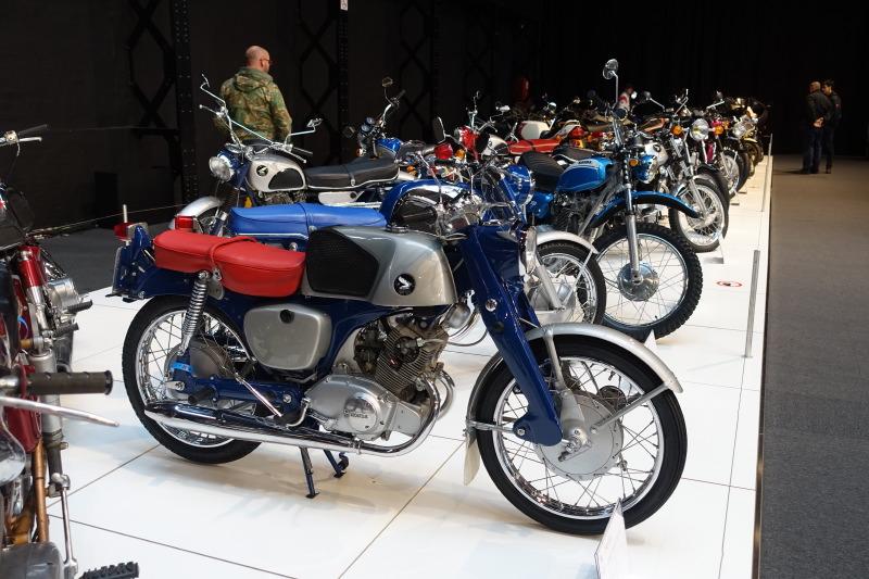 Mon rêve de jeunesse : la Honda 125 C92… mon papa, septique sur la qualité japonaise, me poussa vers une Terrot !!!
