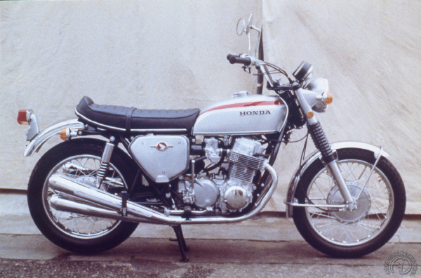 Collection Moto  La 750 Honda a 50 ans