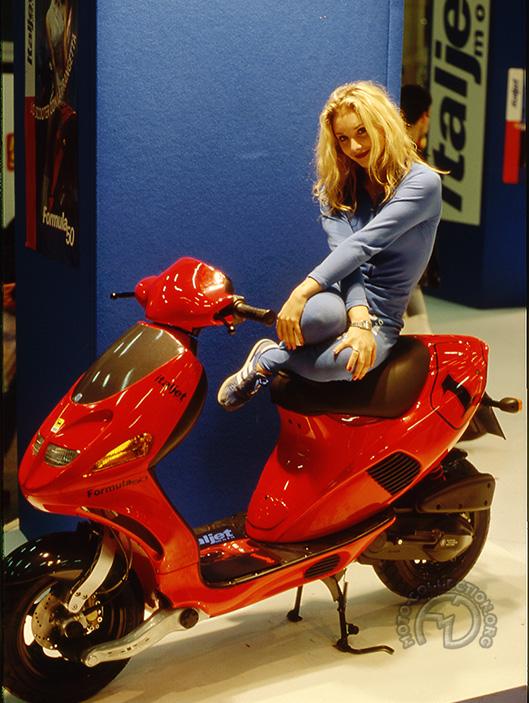 Le plus marquant des scooters Italjet, le révolutionnaire Formula ici en version 50 cm3 au salon de Milan 1995.