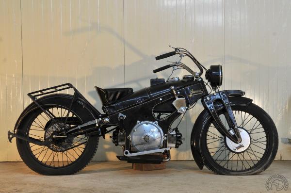 Rétromobile 2018: Artcurial vend 76 motos pour 2 millions