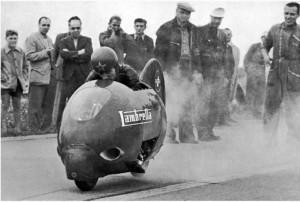 L'ennemi : le Lambretta 125 qui atteignit 201 km/h (archives Vittorio Tessera)