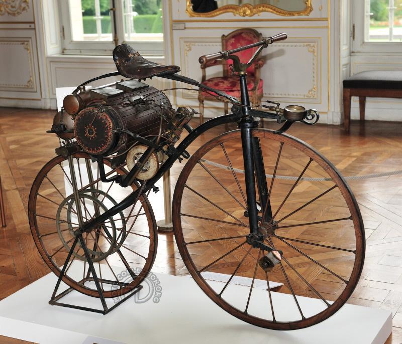 La Louis-Guillaume Perraux originale exposée au musée de Sceaux (Hauts de Seine)