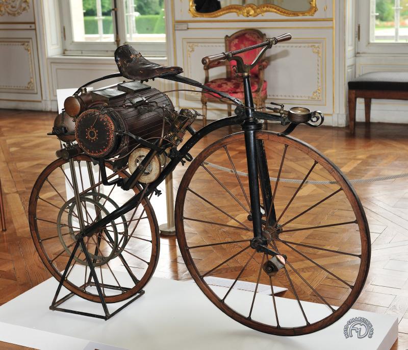 Louis Guillaume Perraux est le premier constructeur de moto ayant envisagé une commercialisation
