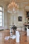 La moto de Guillaume Perraux dans son cadre habituel au musée du Domaine départemental de Sceaux
