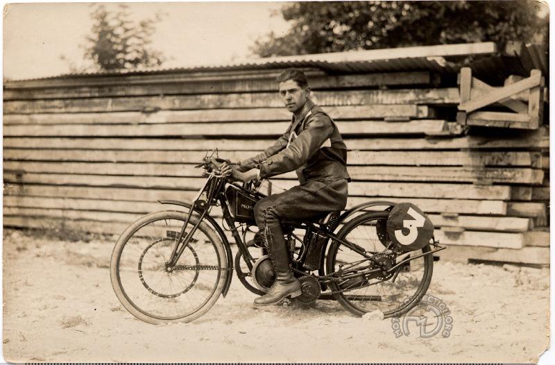 Débuts glorieux du Moser en 125 cc au Grand Prix des Nations à Genève en 1928 remporté par Paul Lehmann (photo Robert Sexé)