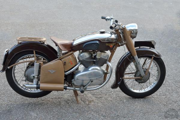 Collection Moto  Motobécane 350 V4C 1947 : L'espoir déçu