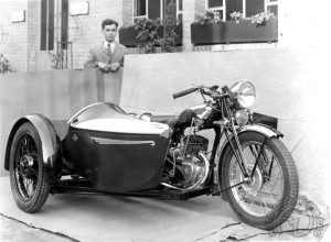 La photo qui servit à faire le prospectus Motobécane R5- Bernardet de 1938.