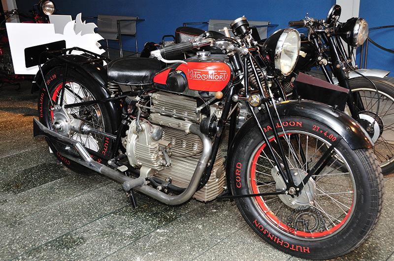 Motoconfort 750 T7 quatre cylindres 1930