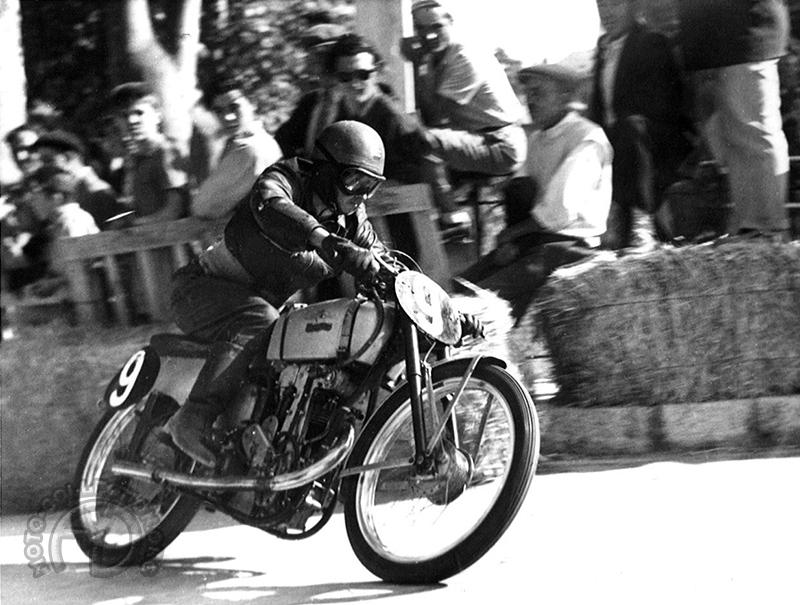 Mickey Schaad à l'Isle sur la Sorgue en 1952