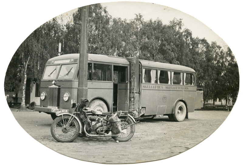 La Peugeot P111 de Robert Sexé et un Autobus gazogène à bois en Suède en 1933