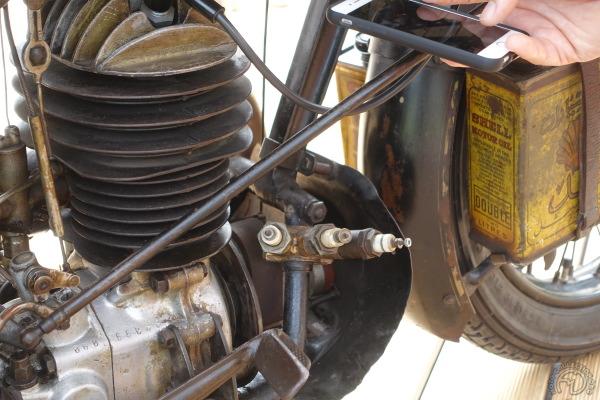 A partir de 1931, les 250 Puch se distinguent par un ailetage asymétrique du haut de cylindre.