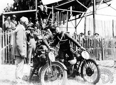 Rudge TTJunior 1930 &&3eTyrel-Smith,G.Walker