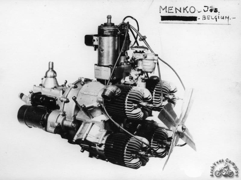 Révélé en exclusivité ici, ce moteur quatre cylindres deux temps dûment breveté le 26 juillet 1949 était une étude pour équiper la voiture Souplex. Le ventilateur provient sans doute… d'une machine à laver Souplex ! Dommage, aucune photo du véhicule complet n'a semble-t-il survécu et le projet est définitivement abandonné en 1951.