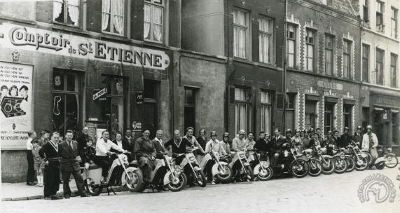 Collection Moto Scooters français à grandes roues : L'utopie des seconds couteaux