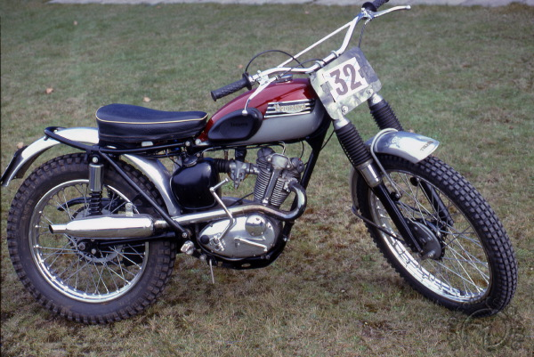 Collection Moto Triumph T20 : Le bouillant Cub