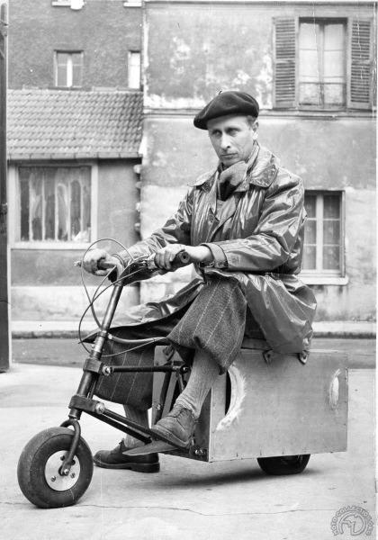 """Premiers essais pour la revue """"Le Scooter"""" en 1952."""