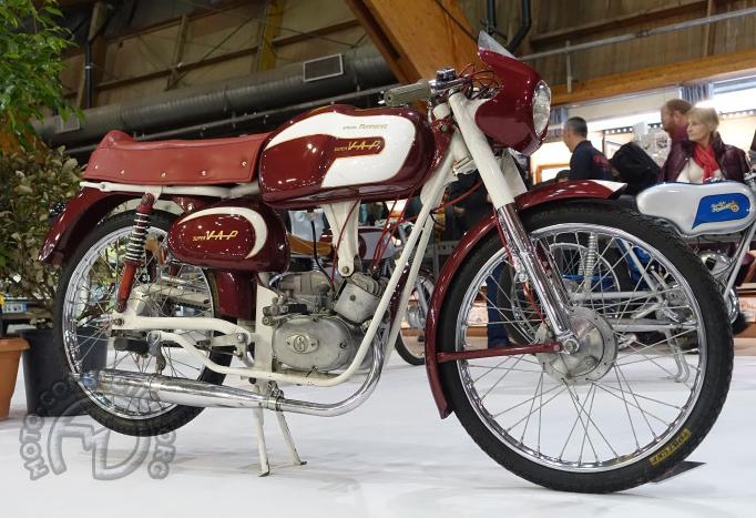 Vap 50 Spécial Monneret 1963 à moteur Sachs 3 vitesses à main et refroidissement par air forcé.