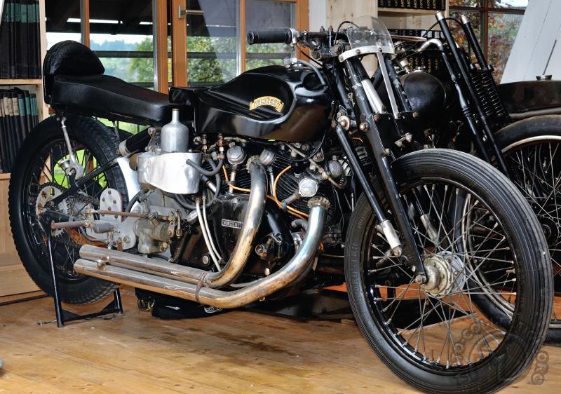 Collection Moto Vincent-Dearden 1000 Black Lightning compresseur 1950