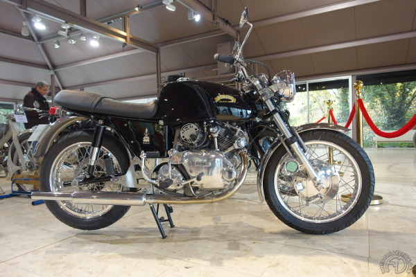 Vincent 500 Comet Black Cat 1979-88