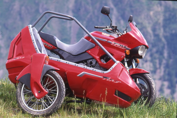 3 roues sur l'angle Yamaha-850-side-to-1986-075