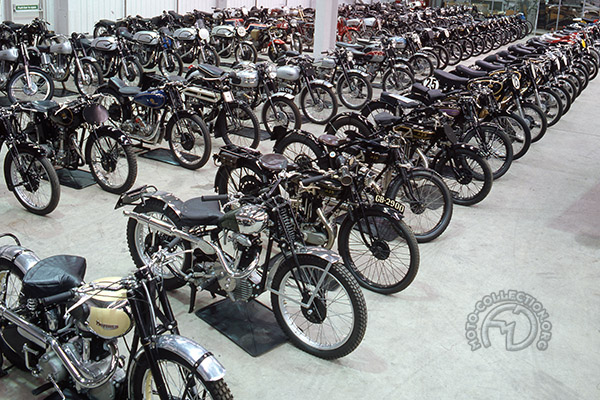 moto collection 2000 motos et un blog fran ois marie. Black Bedroom Furniture Sets. Home Design Ideas