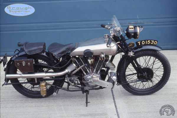 Brough Superior SS 100 Alpine GS motocyclette motorrad motorcycle vintage classic classique scooter roller moto scooter